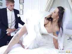 smoking hot bride gets fucked from behind