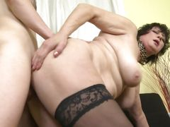 bbw mature likes it from behind