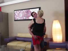 blonde mature woman wants to play